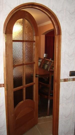 puertas y ventanas en madera nativa