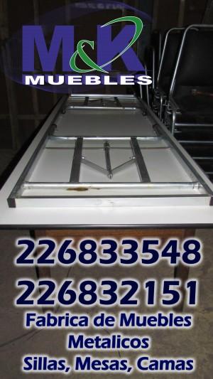mesas plegables de diferentes medidas con base metalica