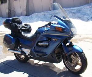 vendo extraordinaria moto de lujo st 1100