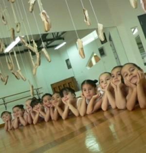 clases de ballet a niñas entre 4 a 10 años